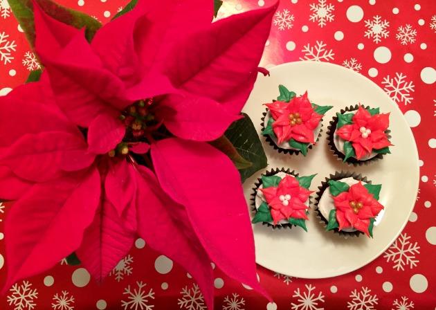 How to make poinsettia cupcakes