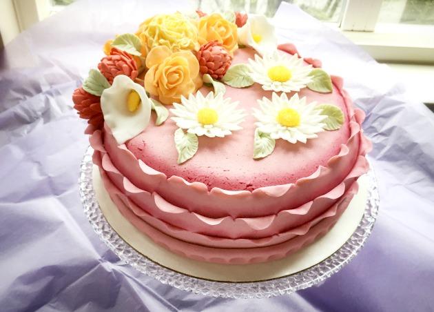 Wilton Course 3 Fondant and Gum Paste Final Cake