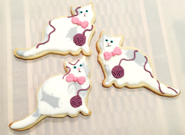 Cats with Yarn Cookies