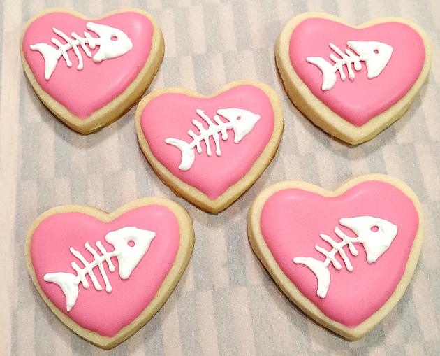 Fishbone cookie hearts