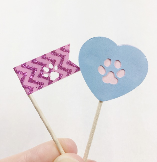 DIY Paw Print Cupcake Topper and Flag