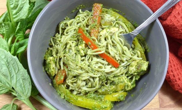 Pesto Chicken with Edamame Spaghetti Noodles